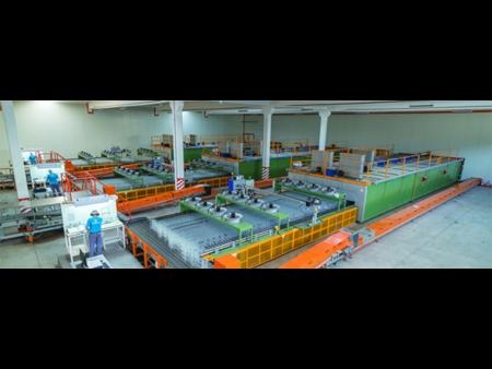 Horn building 560 tpd furnace for Bastürk Cam Packaging