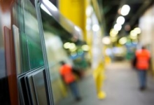 Flat glass business activity adapted to safety requirements